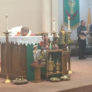 Father Joey blessed our †Santo Niños† at our ♥Sacred Heart♥ Mass on ☼Sunday☼, 1/18/2015