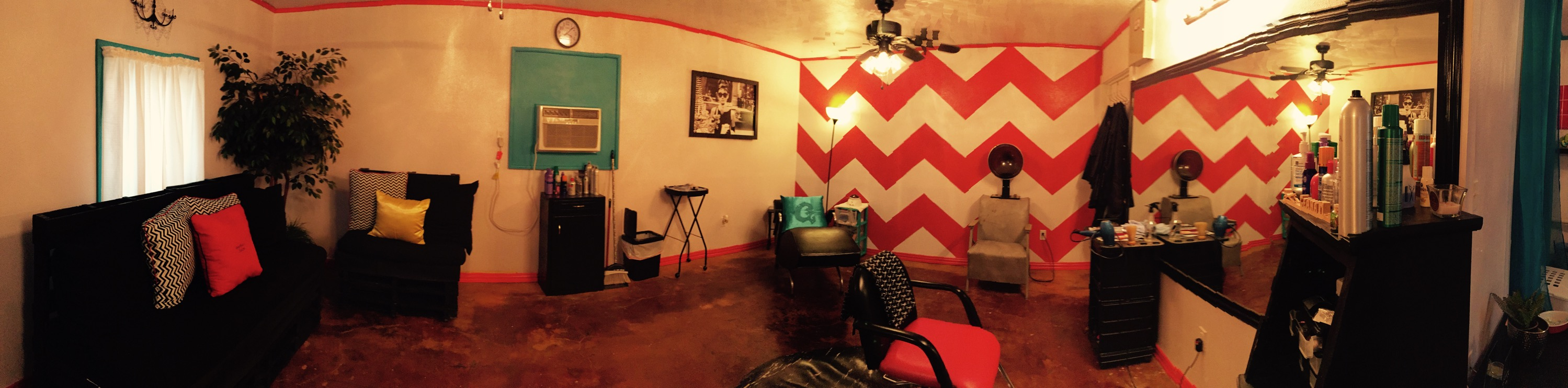 Geana Mac's Salon pano