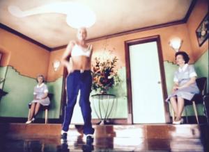 Gwen Stefani Kicka**